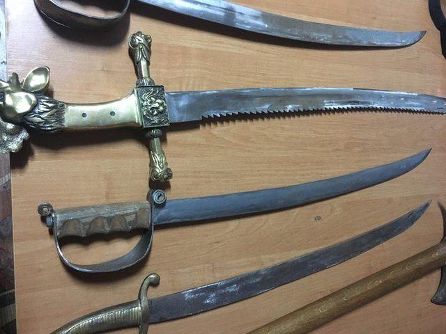 УгражданинаРФ награнице сПольшей изъяли старинное оружие