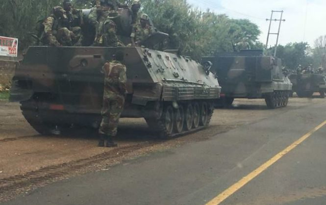 Конфликт вЗимбабве: Правящая партия обвинила руководителя  военных в«измене»