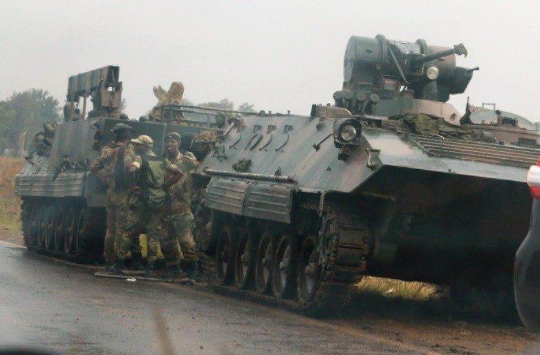 ВЗимбабве военный переворот: кстолице стягивают танки