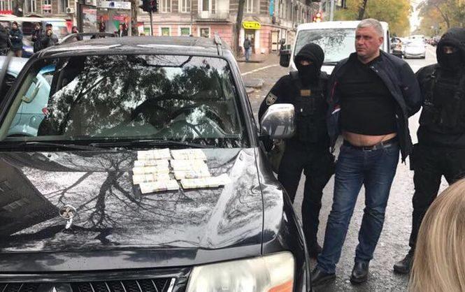 ВОдесской области схвачен чиновник навзятке в $135 тыс.