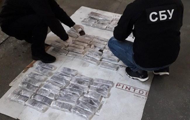 Работники СБУ выявили крупную партию наркотиков неменее чем напол млн. долларов