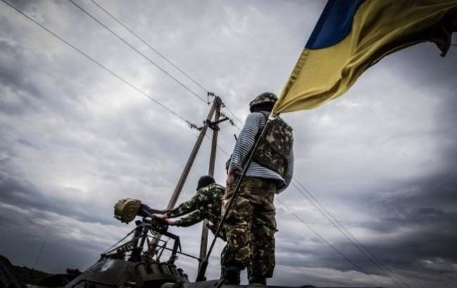 Столкновения наСветлодарской дуге итрое раненых военных. Сутки взоне АТО