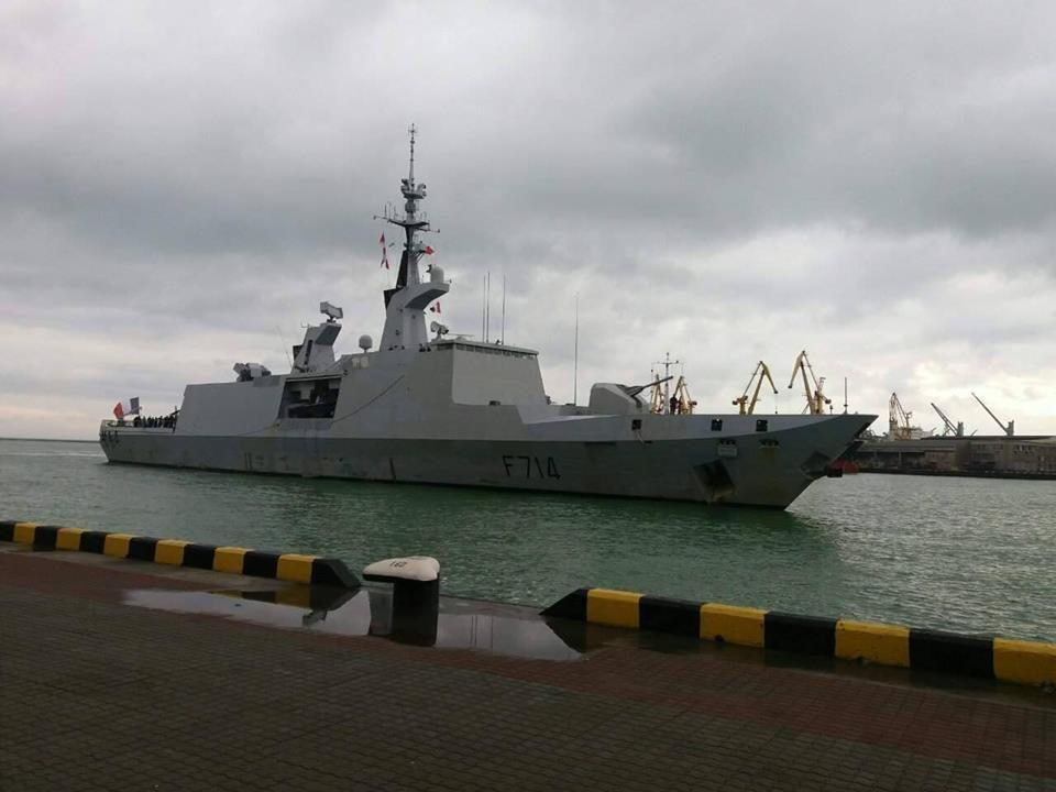 Водесский порт прибыл военный корабль Франции