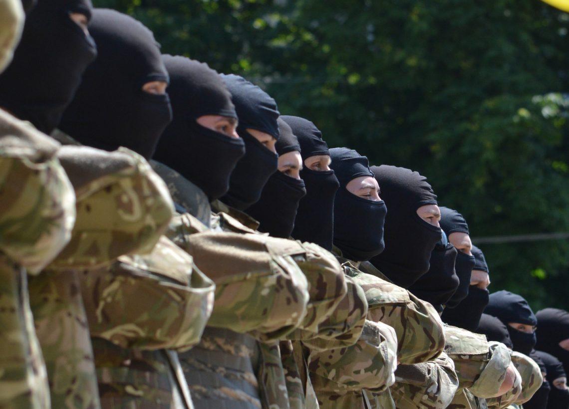 НаДонбасс переброшены 200 русских офицеров