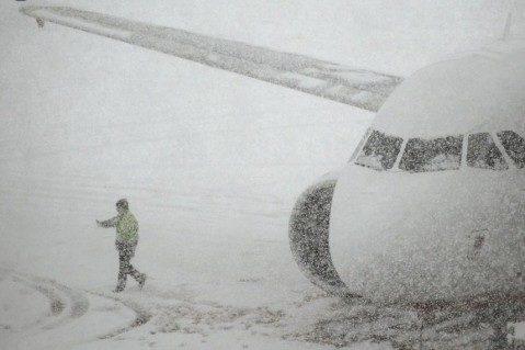 Из-за непогоды вГермании отменили неменее 300 рейсов