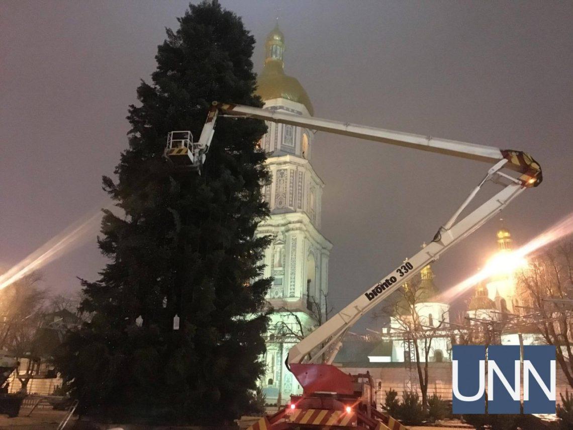 КГГА: Нацеремонию зажжения основной елки Украинского государства будет работать особый пропускной режим
