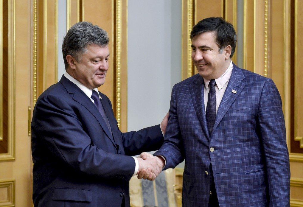 Саакашвили объявил осоздании штаба вОктябрьском замке