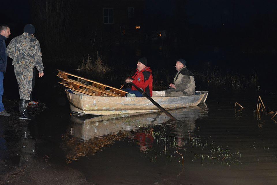 В итоге паводка наЗакарпатье подтоплено неменее 900 домов
