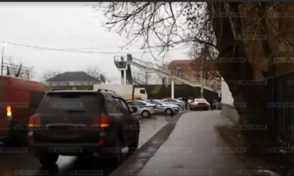 Босс фабрики «Меньшевик» в российской столице оказывает энергичное сопротивление милиции