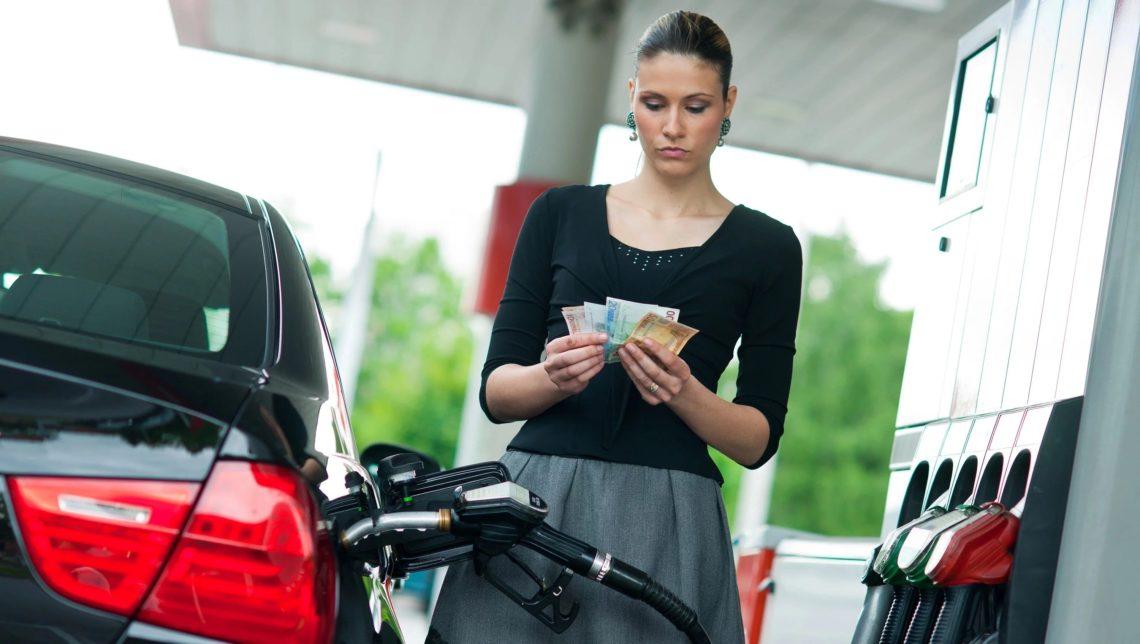 ВГосстате подсчитали, сколько украинцы приобрели бензина вконце осени