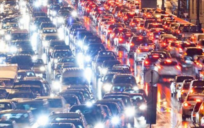 Столица замерла перед Новым годом, однако прогноз удивляет— Пробки вКиеве