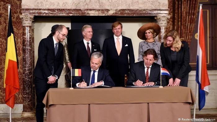 Бельгия иГолландия добровольно обменялись территориями