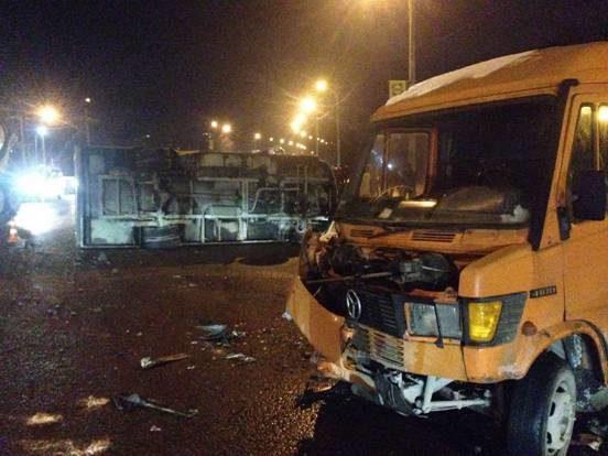 УЛьвові маршрутка зіткнулася з мікроавтобусом, є постраждалі