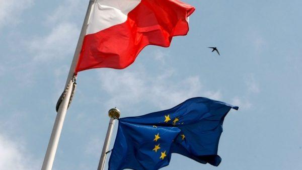 Комітет Європарламенту проголосував засанкції проти Польщі