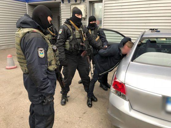 Милиция: Задержаны работники ГМС, нелегально выдававшие биометрические паспорта