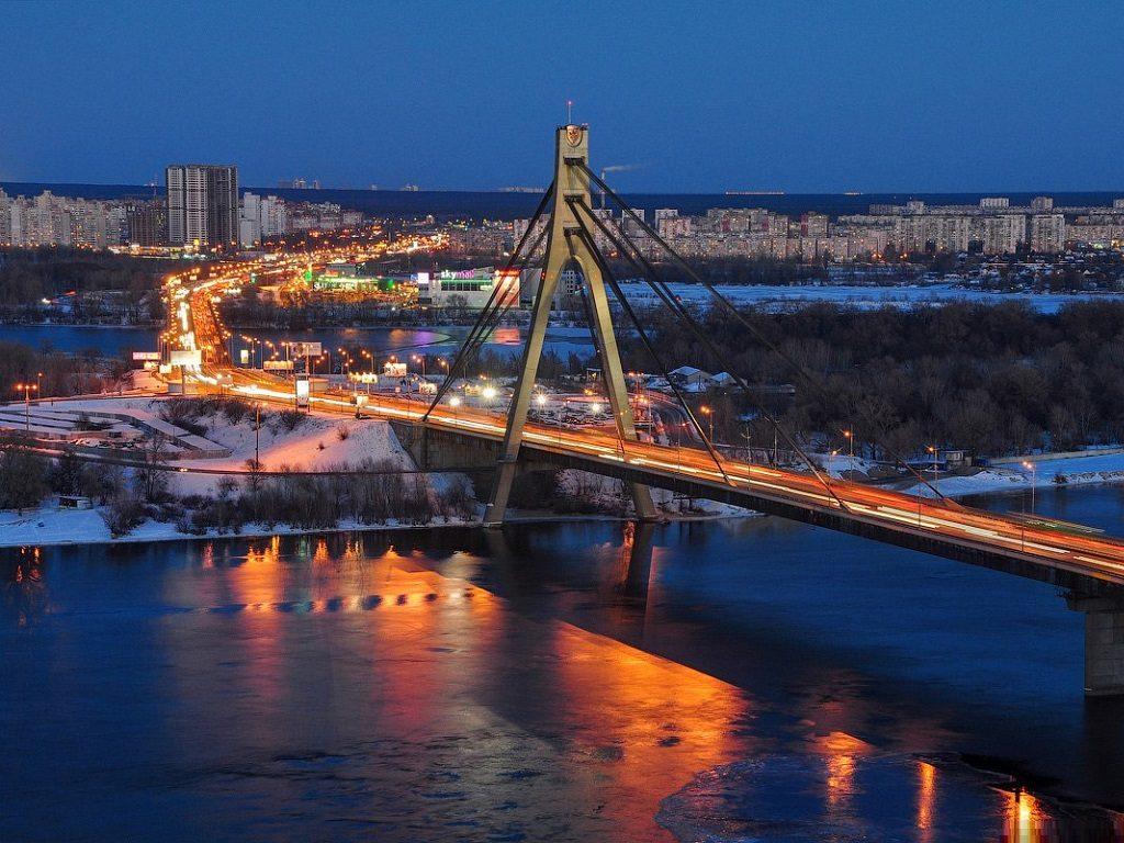 Киевские народные избранники переименовали Московский мост
