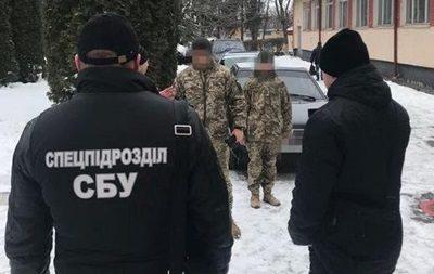 Двое военных изХмельницкой области собирали скоммерсантов «дань»