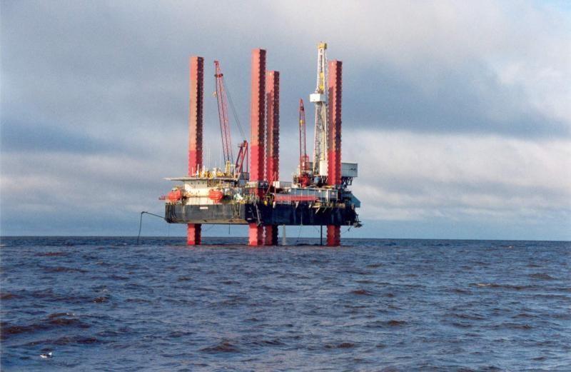 Парламент на своем сегодняшнем заседании ввел мораторий на банкротство Черноморнефтегаза до 2019 с предложениями президента Петра Порошен