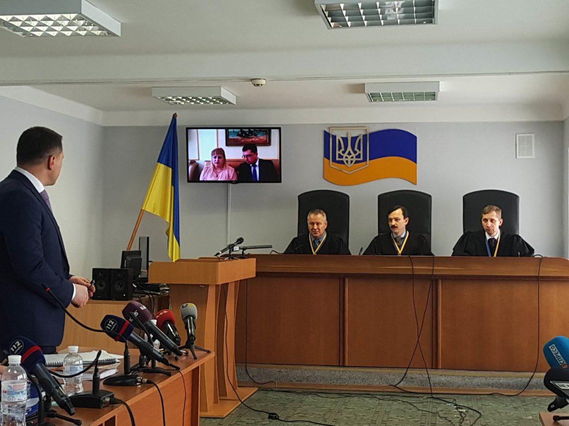 Суд позволил допросить Азарова, Лебедева, Шуляка иэкс-охранников Януковича повидеосвязи