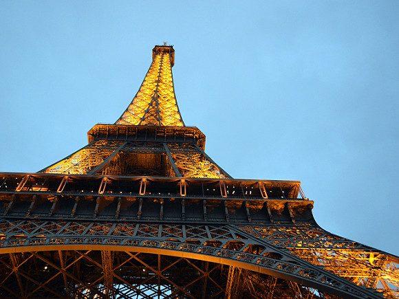 У Парижі в четвер, 22 березня, держслужбовці провели мітинг проти реформ державної служби.