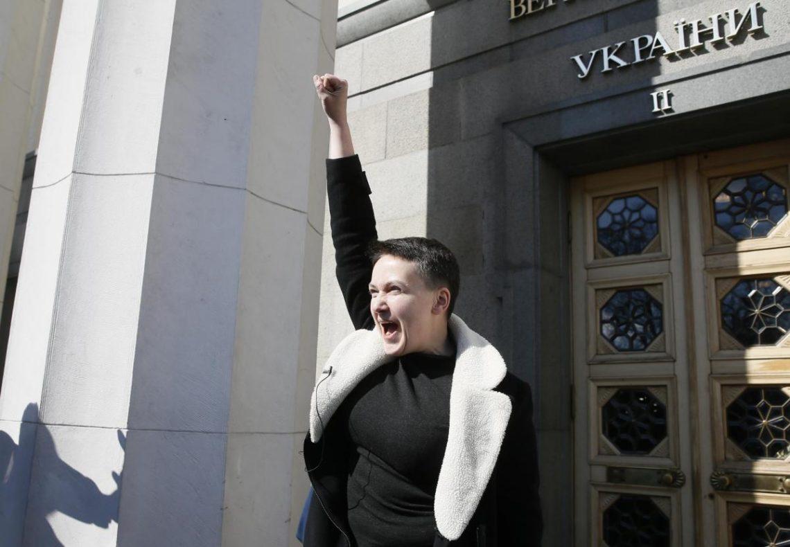 В ОРЛО заявили що народний депутат Надія Савченко може звернутися до них за політичним притулком. Але заперечують що разом готували перев
