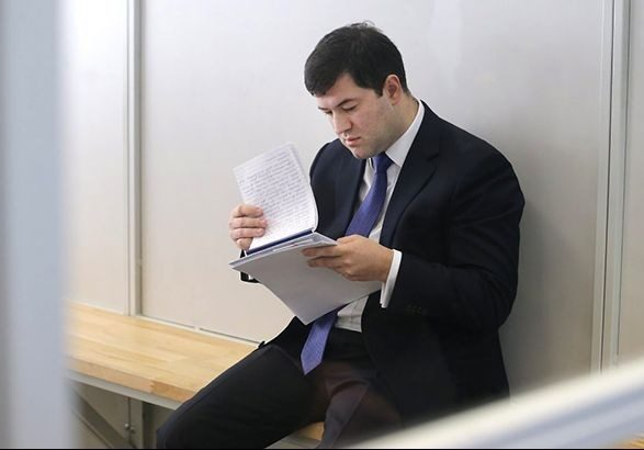 УПорошенко появился конкурент: Скандальный Роман Насиров собрался идти впрезиденты