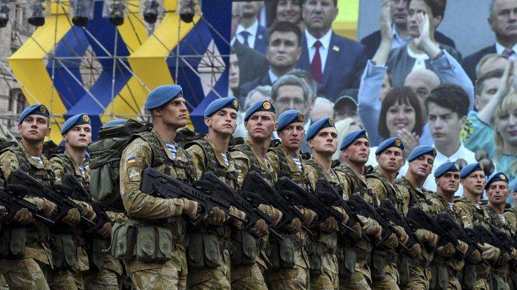 Порошенко подписал указ овоенном параде наДень Независимости вКиеве