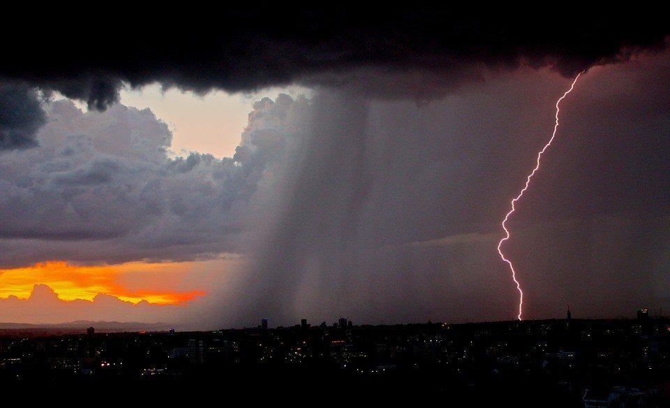 Езжайте загород: жителей столицы предупредили обэкологической опасности ясной погоды