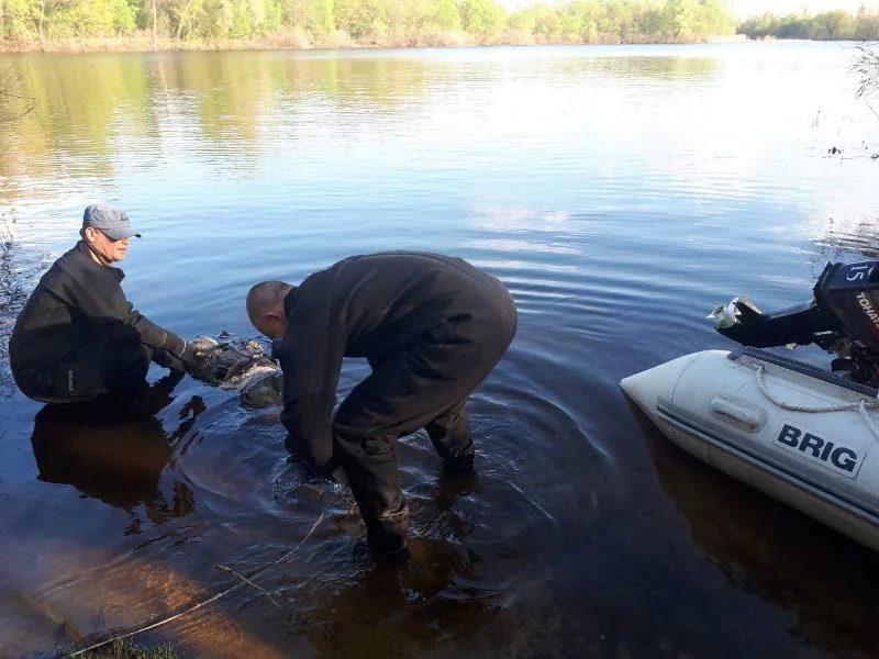 Київські рятувальники виявили вДніпрі тіло чоловіка