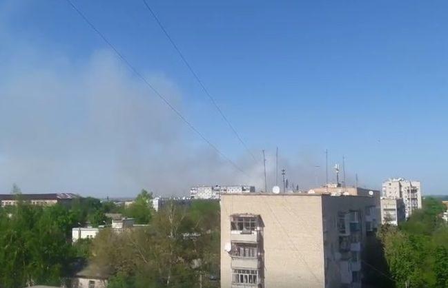 УБалаклії на військовому складі вибухають боєприпаси: людей евакуюють