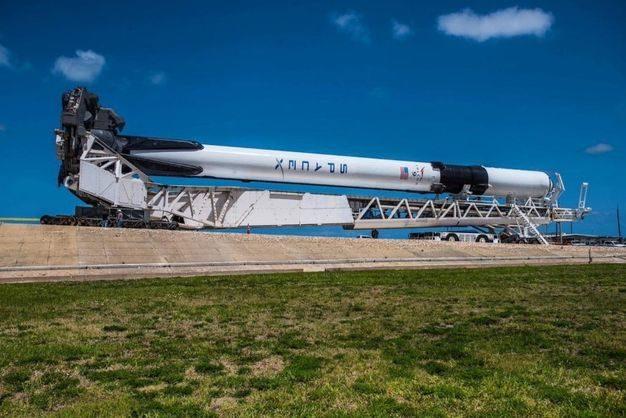 ВСША отменили запуск новоиспеченной ракеты Falcon-9 соспутником
