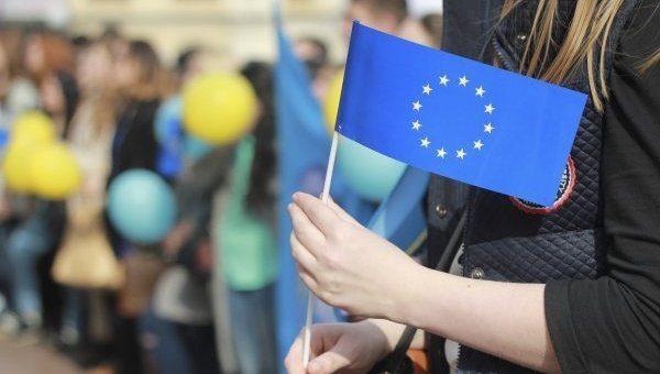 Полмиллиона украинцев уже воспользовались безвизом,— Порошенко