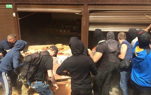 Столкновения нарынке вКиеве: милиция задержала 10 человек