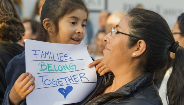 520 дітей нелегальних мігрантів возз'єдналися зі своїми батьками на кордоні Сполучених штатів Америки.