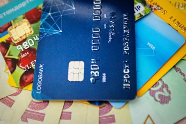 ВНБУ назвали количество платежных карт наруках уклиентов банков