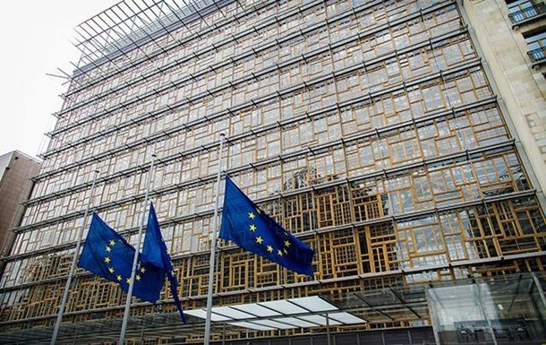 Европарламент поддержал предложение наказать Венгрию занарушение нормЕС