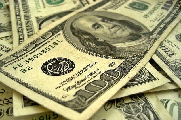 НБУ сказал, сколько потратил запасов наподдержку гривни