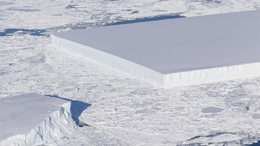ВАнтарктиде найден огромный айсберг-монолит вформе прямоугольника