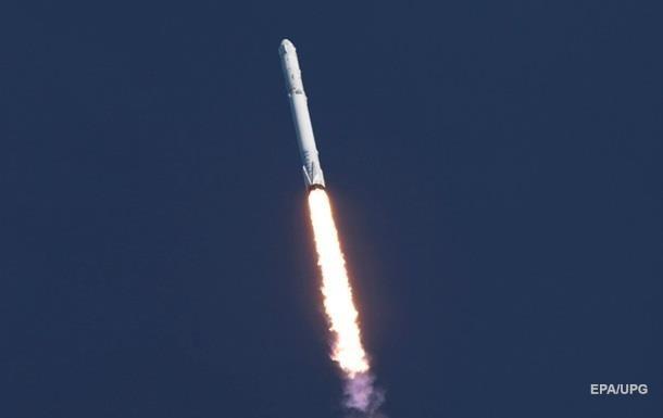 Перший ступінь ракети-носія Falcon 9 успішно приземлився на морську платформу в Тихому океані.