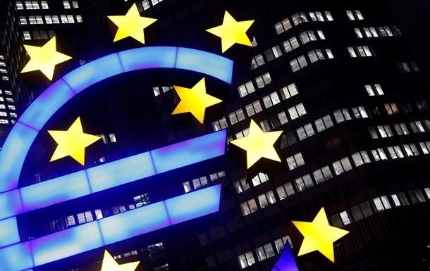 Киев больше всего экспортирует в ЕС недрагоценные металлы, продукты растительного происхождения. Экспорт украинских товаров в прошлом году составил 43,2 миллиарда долларов.