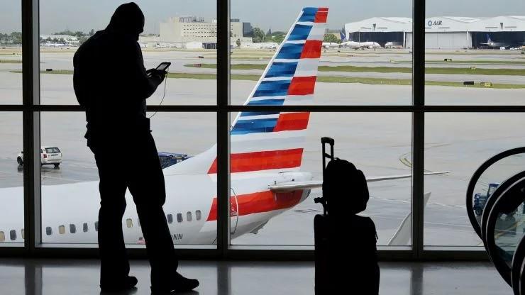 Більшість американських авіаліній припинили польоти до Венесуели. American Airlines була останньою великою американською авіакомпанією, яка виконувала рейси до Каракасу і до Маракайбо.