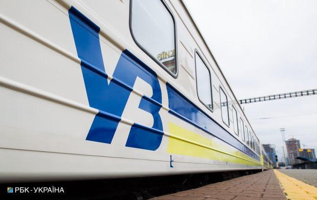 Загалом на Великодні та травневі свята вже призначено 24 додаткові поїзди та додаткові рейси п'яти графікових поїздів.