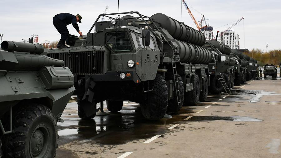 Накануне издание Bild отмечало что под давлением США подписание соответствующего соглашения между Анкарой и Москвой будет сорвано