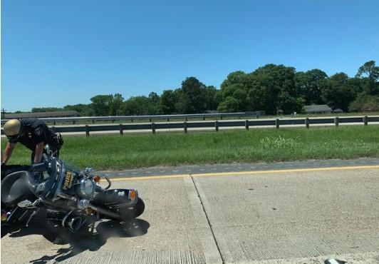 Трое полицейских, которые сопровождали на мотоциклах кортеж президента США Дональда Трампа в штате Луизиана, получили травмы в результате аварии.