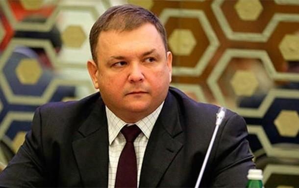 Колишнього голову Конституційного суду Станіслава Шевчука звільнили за декілька неправомірних рішень.