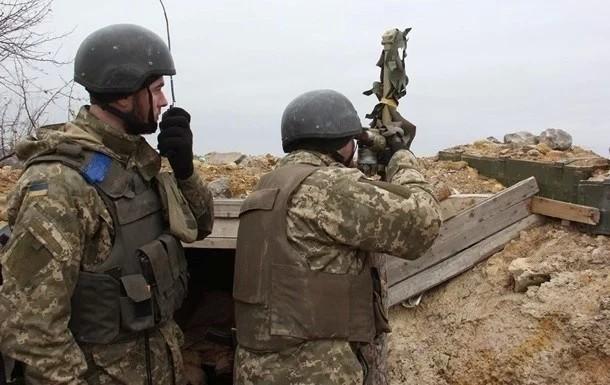 С начала суток среды, 12 июня, представители незаконных вооруженных формирований 12 раз нарушили режим прекращения огня; никто из украинских военнослужащих не пострадал.