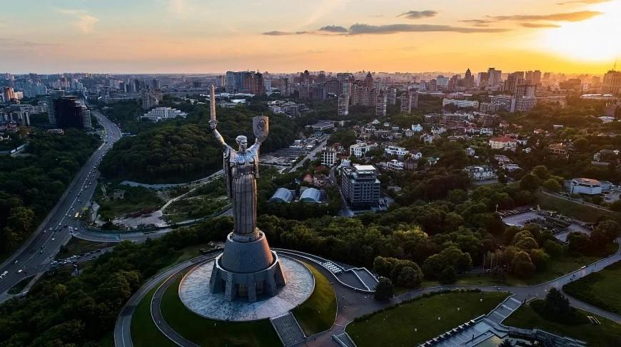 У Києві зростає рівень забруднення повітря токсичними речовинами, які можуть викликати подразнення дихальних шляхів, а при великій концентрації — набряк легенів.